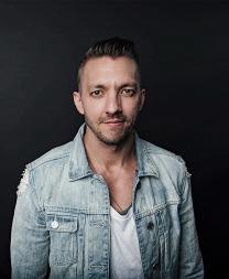 Levi - Natacha Ramos